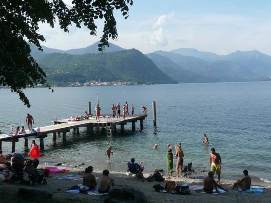The popular Lagna beach on the west side of Lake Orta. This is a free beach. Click for more info.